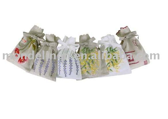 Linho sachês com bordados