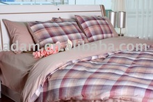 Cotton bedding set filled with down