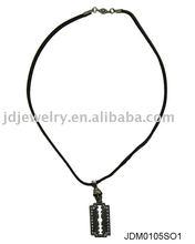 Special pendant necklace