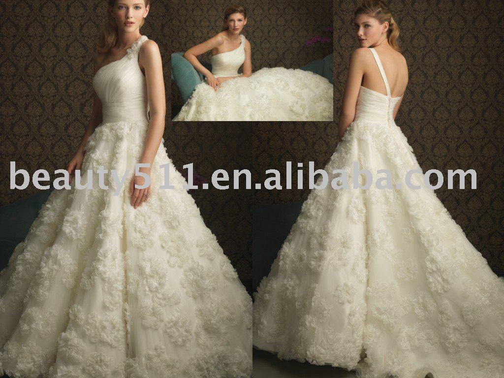2010s Wedding Dress Viewing Gallery