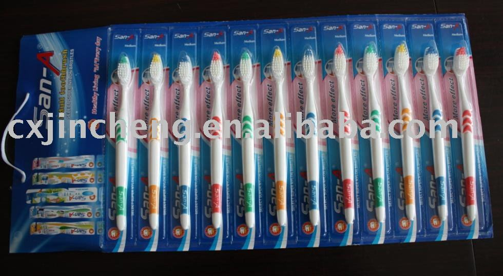 Disposable hanger package adult toothbrush. Material: Blister: nylon 610