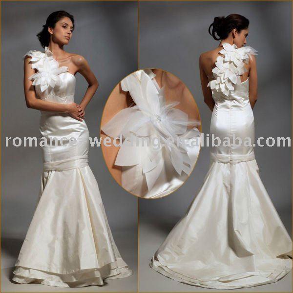 Oneshoulder Wedding Dress
