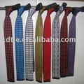 Polyester cravates tricotées