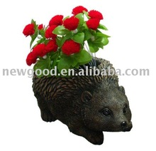 Resin garden hedgehog pot