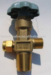 CGA 320 Valve http://www.alibaba.com/product-gs/443098100/CGA320B_Gas_Valve_For_CO2_Cylinder.html
