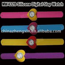 2011 fashion quartz silicone slap watch