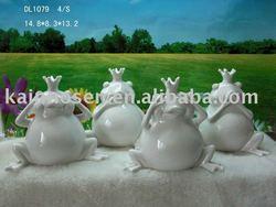 ceramic frog for home/garden decoration