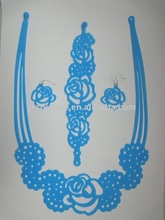 2012 fashionable distinctive silicone hollow necklace