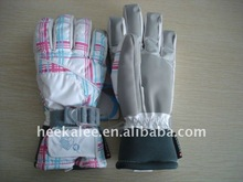 2012 women's winter hot sell waterproof & breathable ski gloves