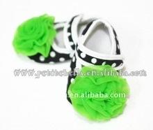 Baby Black White Polka Dots Crib Shoes with Dark Green Rose MAS45