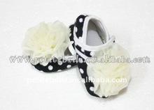 Baby Black White Polka Dots Crib Shoes with Cream White Rose MAS55