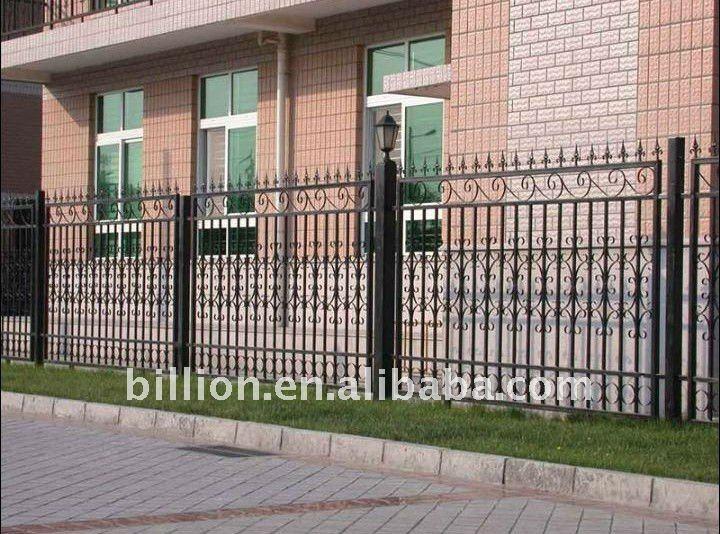 Decorativa cerca de ferro em Casa e JardimCercas, treliças e