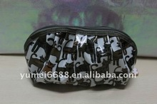 2012 latest designed high quality black and white cosmetic bag