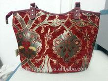 Burgundy color shiny green flowers on a shoulder bag E100055