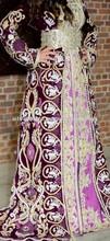 marokkanische kleid auf samt mit stickerei kristall