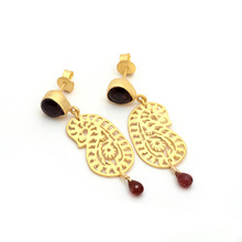 925 sterling silver earring, matt gold polish garnet