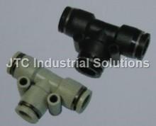 Pe tee unión accesorios neumáticos/de alta calidad de un solo toque montaje neumático/t tipo de conector