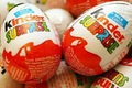 Kinder alegria surpresa de chocolate ovo