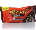 Eese's manteiga de amendoim copos, miniaturas, o chocolate escuro
