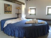 round bed 240