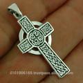 Medio nudo celta cruz colgante de plata, pn145