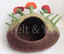 Felt Cat bed with flower
