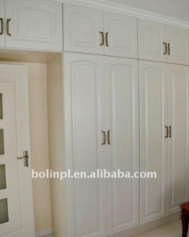 Bedroom cabinet doors bedroom built in painted cabinet for Bedroom cupboard door designs