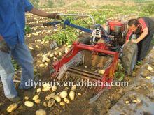 Tractor drive automatic potato harvesting machine
