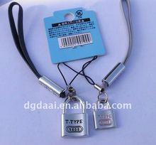 lover lock shaped mobile strap
