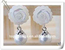 imitation jewelry pearl with flower dangle design Earring