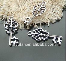 Ancient Silver Metal Charming Key Pendant Zinc Alloy garment accessories metal trims