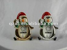 Resin christmas penguin decoration (photo frame)