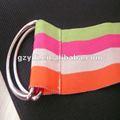 color bandalateral elástico en la cintura del pantalón