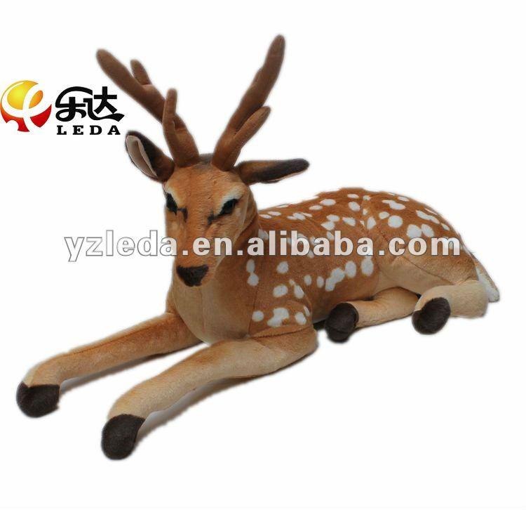 Cumpleaños y sacrificios patrocinados por Cassandra Fells {en el primer post aparecen los invitados} Deer_plush_toy