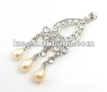 2012 Hottest Alloy Pendant with Freshwater Pearl 0185