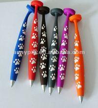 2012 new design soft PVC magnet pen with custom logo