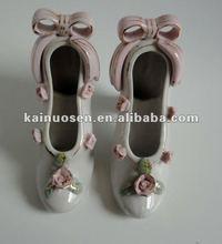 Elegant ceramic high-heeled shoe for decoration