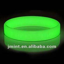 custom silicone personalized wrist bands glow in dark