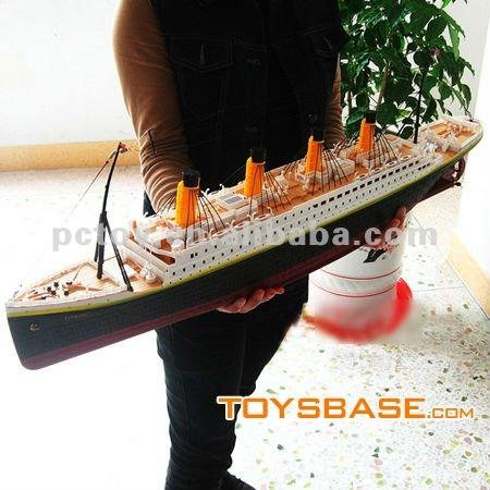 Famous Titanic Toy