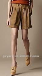 lady pants elastic and blouse of skinny leg
