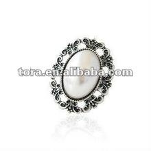2012 fashion antique carve design pearl finger Ring