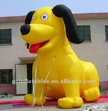 Ένας κίτρινος  σκύλος...