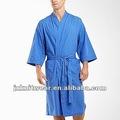 elementos esenciales de los hombres azul kimono robe