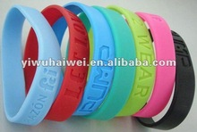 2012 fashion silicone wristband