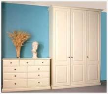 Luxurious bedroom oak wardrobe