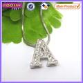 Venta al por mayor 26 alfabetos deslizante de metal carta de cristal encantos collar para #14910