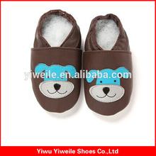 Haute qualité lumière colorée en cuir bébé chaussures silicone à vendre