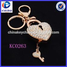 Fashion Charm 3D jewelry high quality metal heart shaped promotional keychain