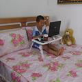 Mesa plegable portátil en la cama con 2 usb ventilador, el tema más popular en el mundo