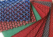 Anti-slip swimming pool rubber mats